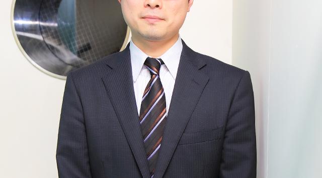 スタッフ岡本さんの写真